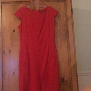 Red capped-sleeve shift dress